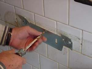 Charmant Old Wall Sink Bracket. Screw In New Bracket